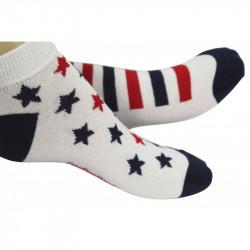 socquettes blanches avec des étoiles ou rayures bleues et rouges