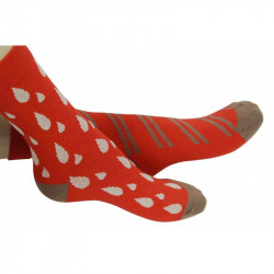 chaussettes dépareillées avec gouttes blanches ou rayures