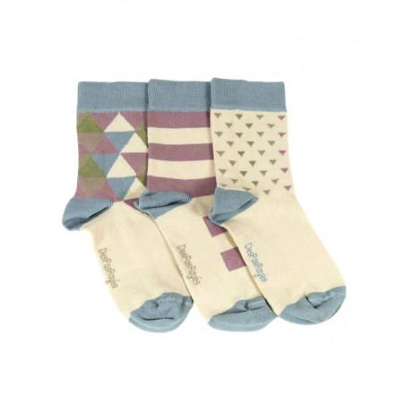 Trois chaussettes crème décorées de triangles aux multiples couleurs
