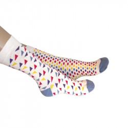 chaussettes bariolées de petits triangles ou de ronds