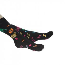 chaussettes noires avec motifs colorées